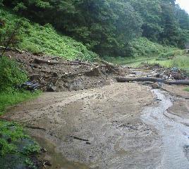 林道小原線 土砂崩れのため閉鎖